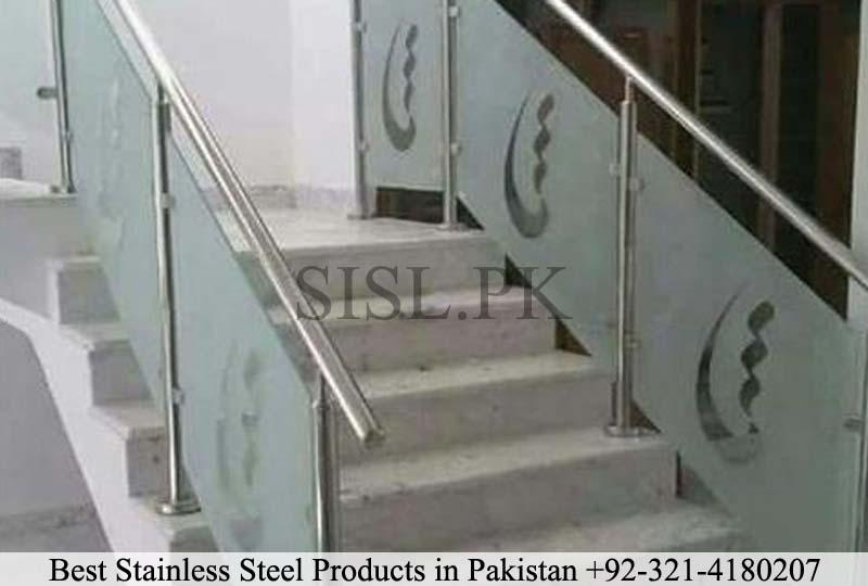 Glass railing design pakistan 2